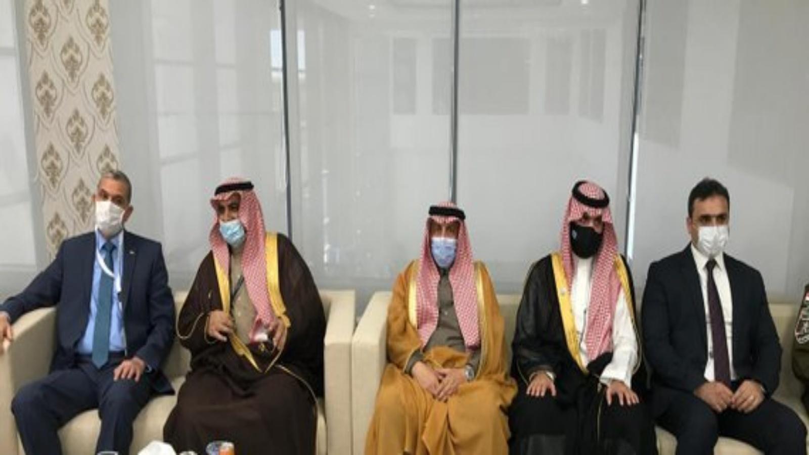 وزير الداخلية العراقي مع امير منطقة الحدود الشمالية السعودية لدى افتتاح منفذ عرعر اليوم