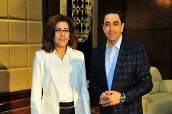 الشاعرة والناشطة فاطمة ناعوت مع علي