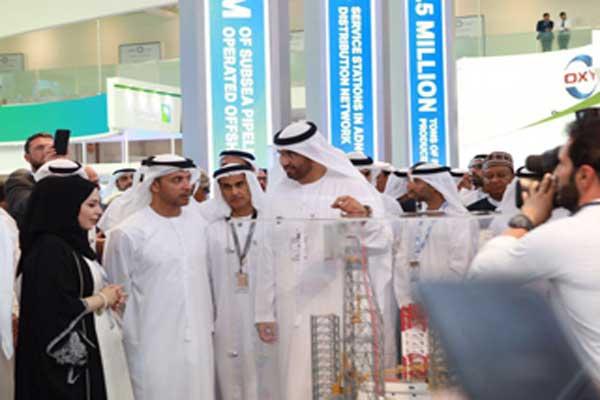 سلطان بن أحمد الجابر خلال افتتاح الدورة العشرين لمعرض ومؤتمر أبوظبي الدولي للبترول