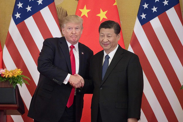 ترمب يوقع اتفاقيات تجارية مع الصين