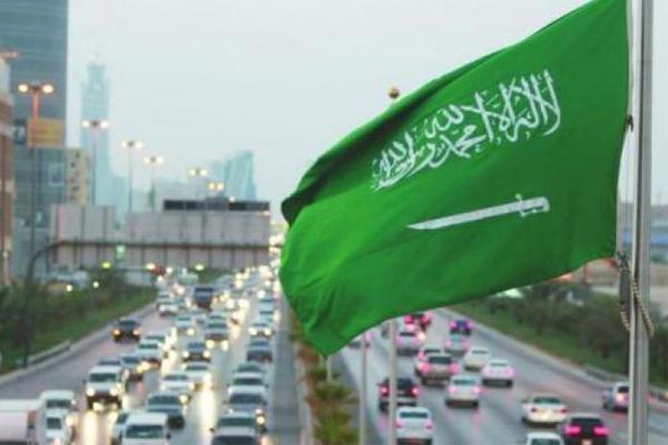 تسارع نمو القطاع الخاص غير النفطي بالسعودية