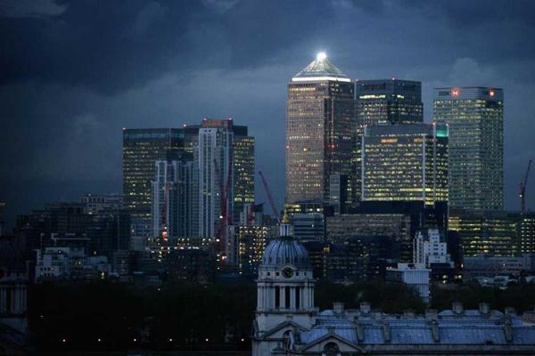 موديز تخفض تصنيف الاقتصاد البريطاني
