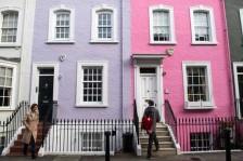 يجد مسح أن الرسوم الضخمة على عقارات العاصمة تدفع مشترين إلى خارج لندن