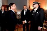العاهل المغربي يستقبل بالقصر الملكي بمراكش كارلوس غصن رئيس مجموعة رينو لصناعة السيارات
