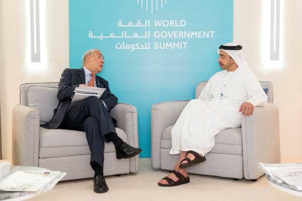الشيخ عبدالله بن زايد في القمة العالمية للحكومات