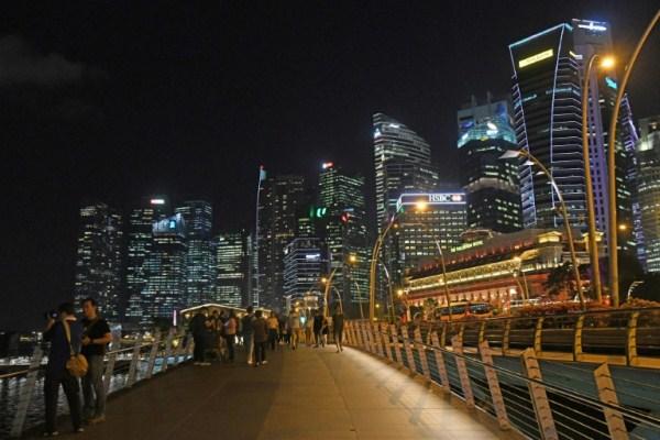 سنغافورة أغلى مدينة في العالم متقدمة على باريس وزيوريخ