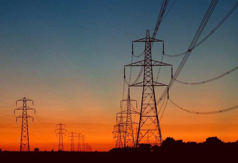 يقول التقرير إن دول المنطقة بحاجة الى استثمارات بقيمة 260 مليار دولار لتلبية الطلب المتزايد على الكهرباء