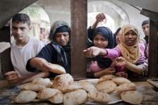 زيادة أعداد المصريين تحت خط الفقر منذ بداية الإصلاح الاقتصادي