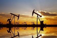 أسعار النفط تبلغ أدنى مستوياتها منذ 17 عامًا