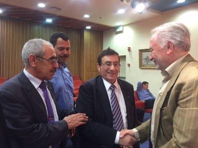 من اليمين د. زياد درويش وفي الوسط أ. د. شموئيل موريه ومن اليسار د. محمد عودة