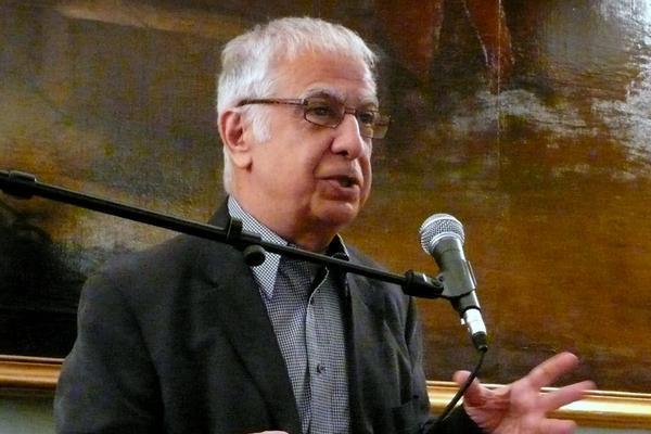 الصحافي والكاتب أمير طاهري