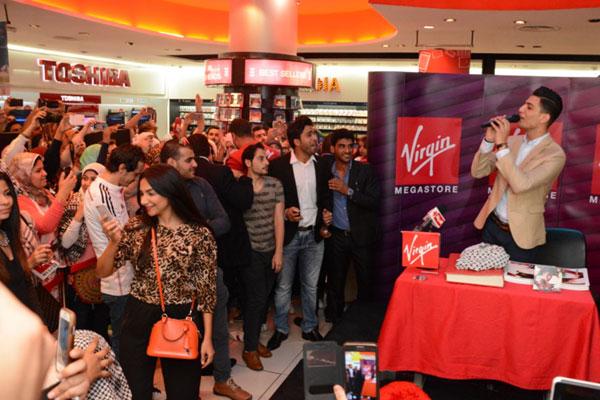 محمد عساف يغنّي للجمهور