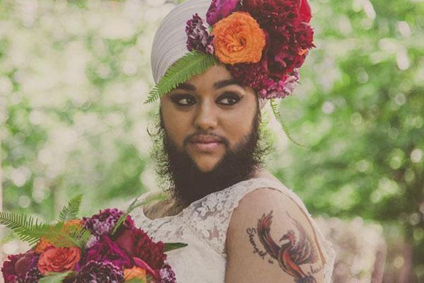 هارنآم كور تلتقط صورا بثوب زفاف