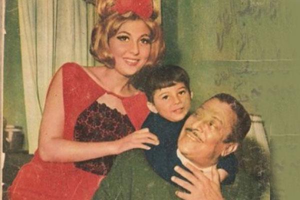 عماد حمدي مع زوجته نادية الجندي وابنه