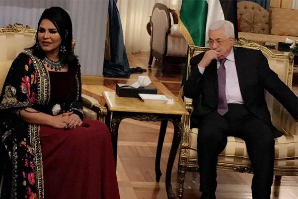 النجمة الإماراتية أحلام في ضيافة الرئيس الفلسطيني محمود عباس أثناء زيارته لبيروت