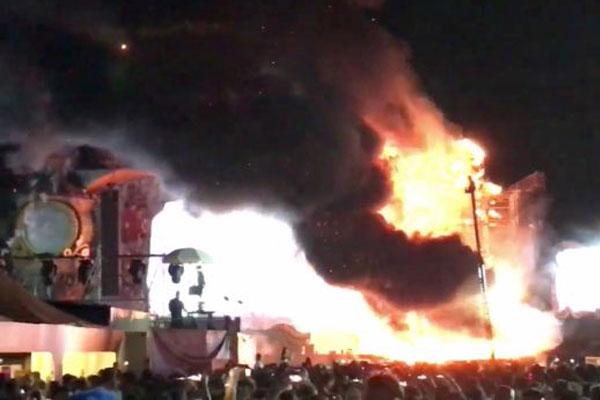 إندلاع حريق في مهرجان موسيقي في برشلونة