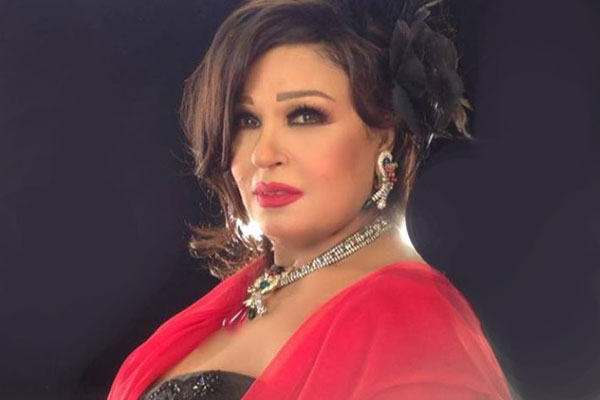 فيفي عبده تنفي شائعة دورات الرقص في السعودية