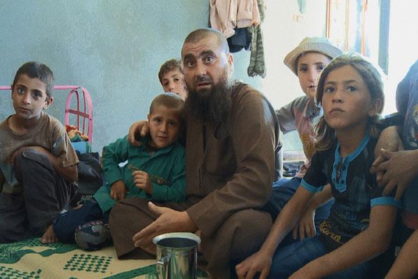 حسين حبوش مع العائلة