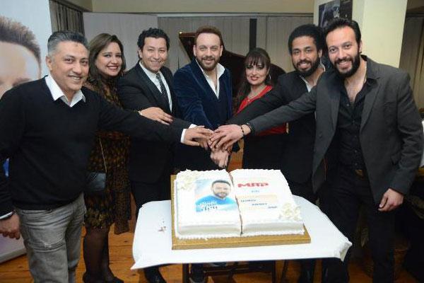 مصطفى قمر يحتفل بإطلاق أغنيته الجديدة