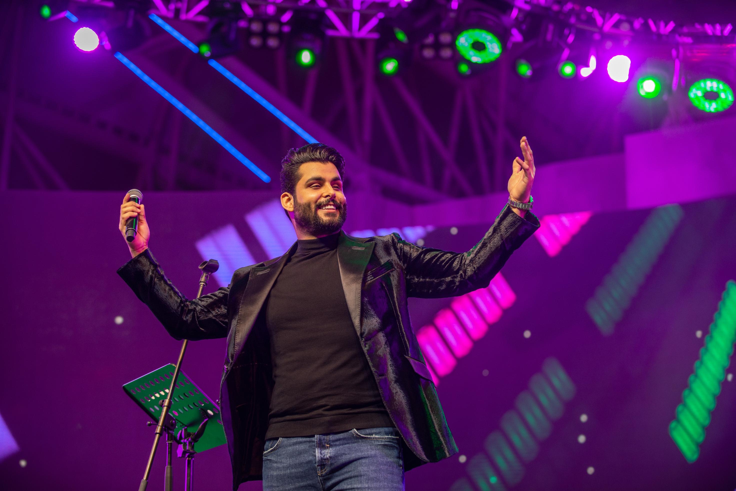 حفل إستثنائي للنجم الخليجي محمود التركي في القرية العالمية