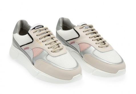 أكسيل أريغاتو تطلق أحذيتها الجديدة في دبي