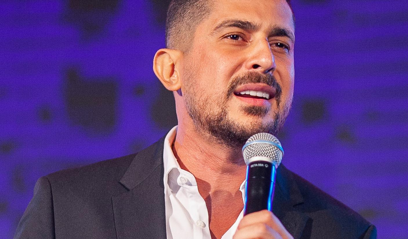 محمد خيري مجدداً على مسارح دبي .. ومفاجأة كبيرة قريباً!