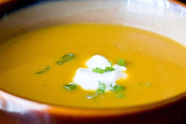 حساء اليقطين بالخُضَر