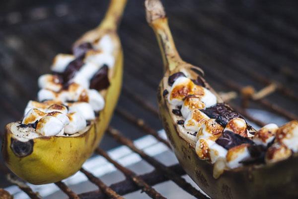 الموز المشوي بالشوكولا