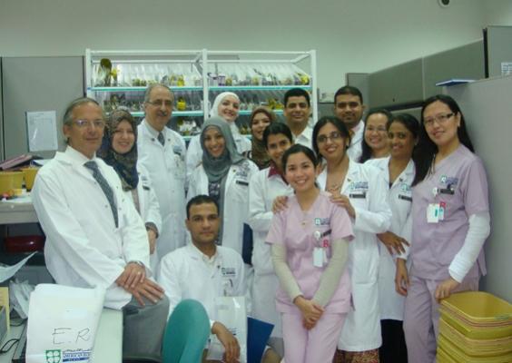 فريق طبي في المستشفى الأميركي الخاص