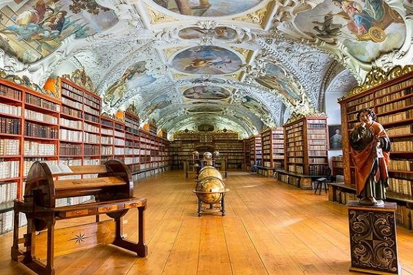 مكتبة دير ستارهوف