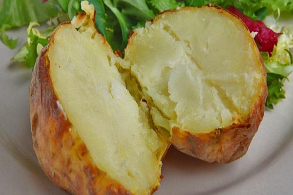 البطاط المشوية تشكل خطرا على الحامل