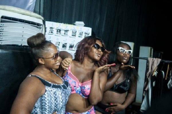 مصممو الأزياء في نيجيريا يفضلون النساء المكتنزات