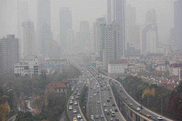 سحابة التلوث في الصين تغطي عشر مساحة البلاد