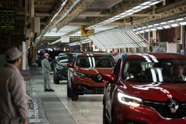 سيارات رينو كادجار في مصنع دونغفينغ في ووهان