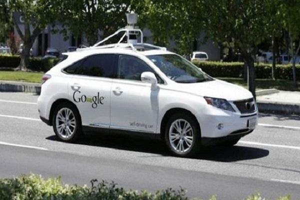 سيارة غوغل سجلت ملايين الأميال في الطرق العامة
