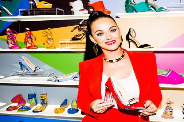 كاتي بيري تطلق أحذية جديدة بالتعاون مع Global Brands