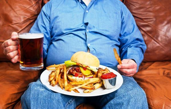 النظام الغذائي غير الصحي في بريطانيا يرفع أعداد ضحايا السكري في بريطانيا