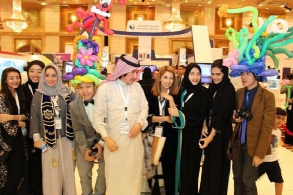 معرض جدة شاركت فيه 20 دولة عربية واجنبية
