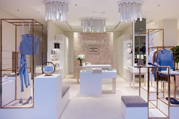 سواروفسكي تتعاون مع متجر Crystal Lab في دبي