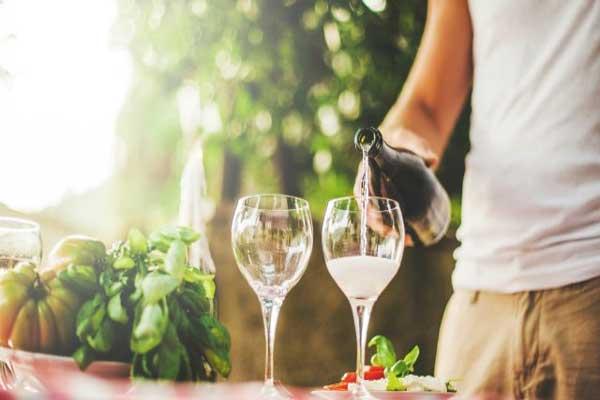 قد يسبب شرب الكحول تلف الحمض النووي