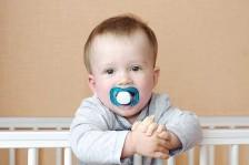 طريقة تعقيم اللهاية تنعكس على صحة الطفل