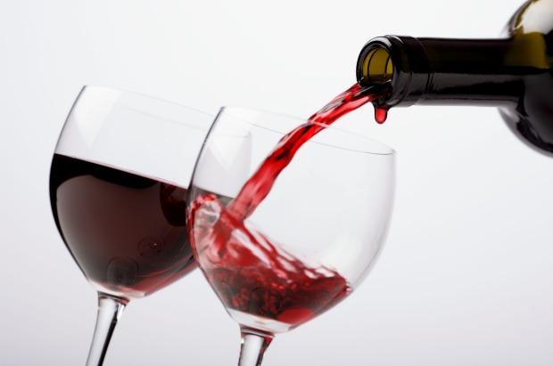 دراسة حديثة واسعة تربط بين الكحول والخرف