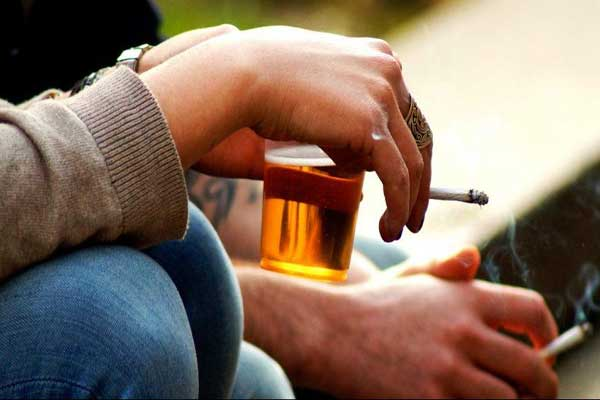 التيغ والكحول قاتلان