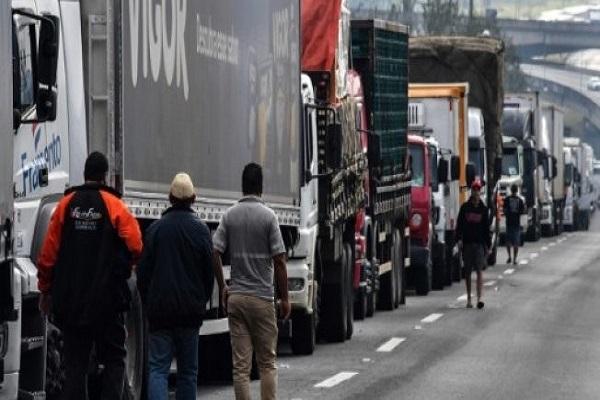 اضراب الشاحنات في البرازيل