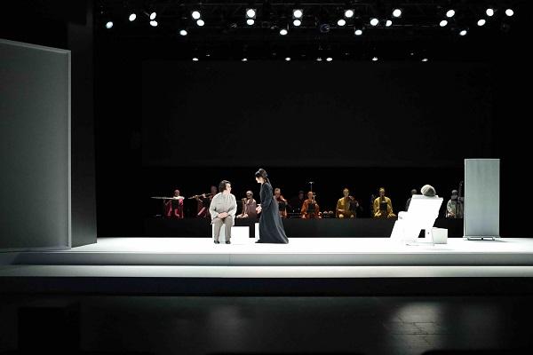 بيير باولو بيسولي يصمم ملابس أوبرا الحجرة