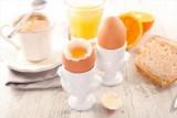 البيض قد يحمي من العمى المرتبط مع التقدم في السن !
