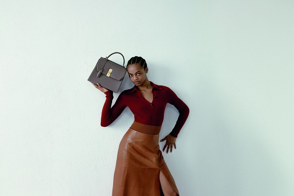 سالفاتوري فيراغامو تطلق تشكيلة حقائب boxyz الجديدة