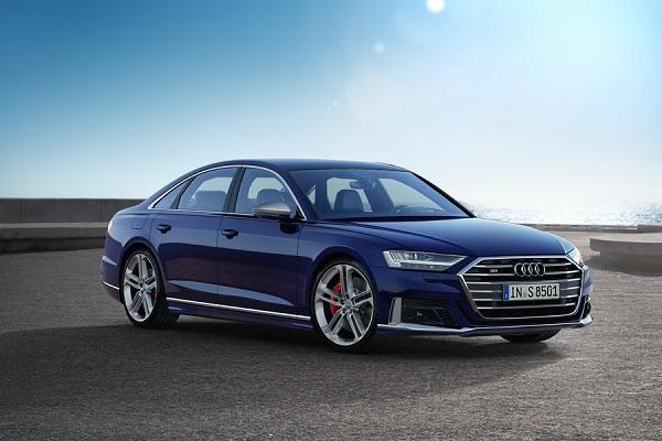 Audi S8 الجديدة بأداء متطور