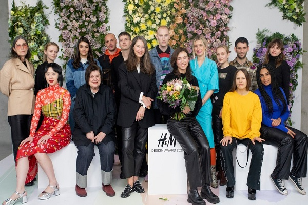 سابين سكارول تفوز بجائزة تصميم إتش آند إم لعام 2020