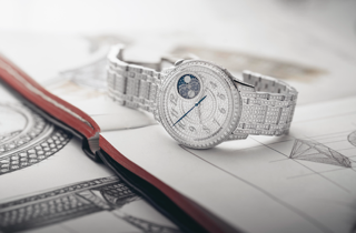 ساعة Egeria الجديدة .. عنوان للحرفية والجمال